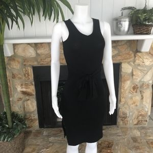 Brandy Melville V-Neck Sleeveless Tie Waist Dress